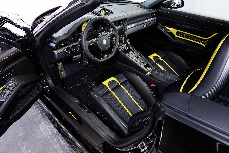 TECHART_GTstreet_R_Cabriolet_interior_2.jpg